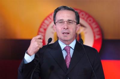 Álvaro Uribe: un peligro público para América Latina